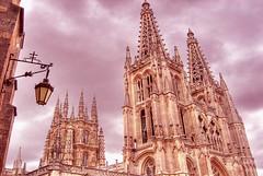 Catedral de Burgos (marathoniano) Tags: travel espaa architecture clouds landscape spain arquitectura cathedral catedral nubes burgos espagne hdr globalvillage castilla aplus realone gtico ghotic marathoniano