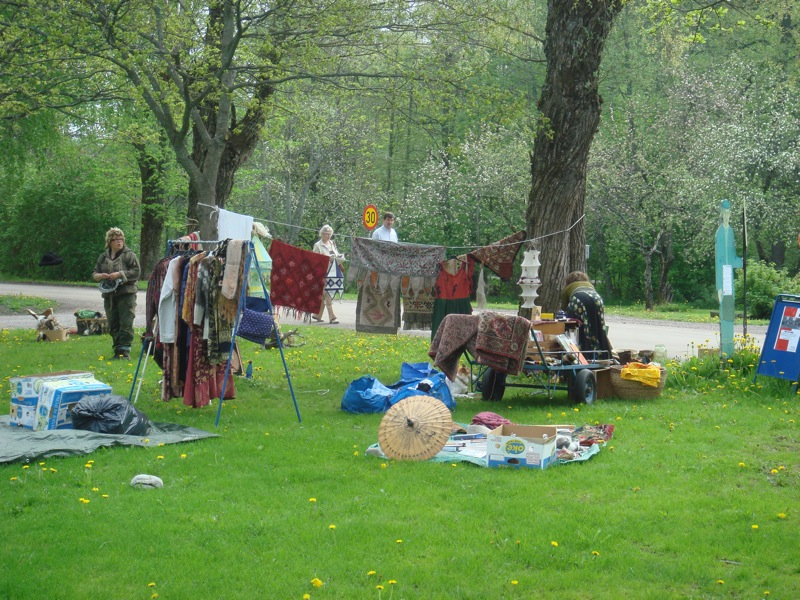 the ubiquitous hippy stall at the flea market.JPG