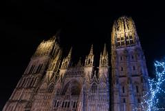 2016 12 09 DSC_0086 (agnèsleclerc) Tags: cathédrale rouen nuit lune marché de noël architecture monument