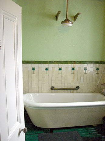 Kilcullen's-Bath-House-Enn2