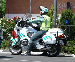 Guardia civil de trfico (Oscar in the middle) Tags: spain police motorbike spanish civil cop mounted policia guardia motos trafico agrupacion benemerita
