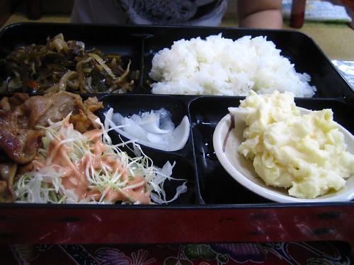 5.16午餐-炒豬肉定食