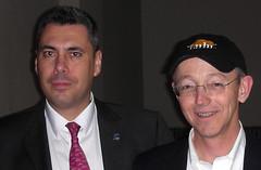 Con Bob Young