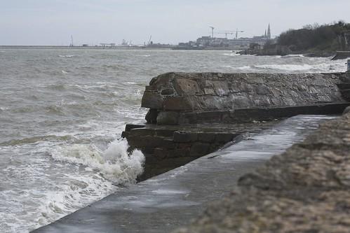 ROUGH SEA - BLACKROCK