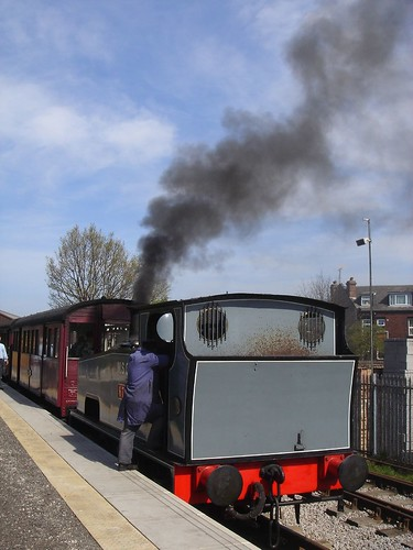 Middleton Railway, Leeds: smoking steam engine