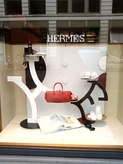 Hermès Typography - by CommandZed