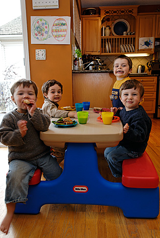 Boys eating with friends3087