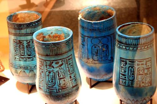 2005_1026_120821AA Vazen met de naam van Ramses II, 1279-1213 BC,Louvre por Hans Ollermann.