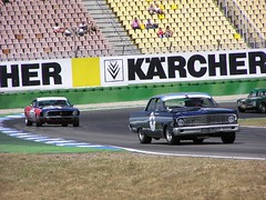 Ford Falcon Sprint vs. Ford Mustang Boss (dafreaky73) Tags: boss ford race jones jim clark falcon oldtimer mustang hockenheim sprint 302 2007 revival hockenheimring jimclark boss302 parnelli gröpper groepper dafreaky73
