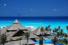 HOTEL OASIS CANCUN, MEXICO (1001clicks.es) Tags: travel vacation sun holiday beach pool mexico hotel nikon paradise tulum grand oasis april cancun ha paraiso chichen 2007 itza xel 10646 d80 nikond80 urresti diamondclassphotographer flickrdiamond pichises