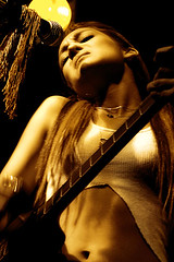 Da 123 . Cecy Leos (WakamouL) Tags: portrait music woman rock sepia mexico concert mujer df emotion guitar retrato concierto guitarra musica microphone gp microfono pasion emocion ltytrx5 ltytr1 cecyleos gpcommusica