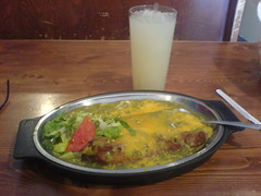 Tia Sophia Small Combination (ldandersen) Tags: food newmexico santafe plate lemonade chilerelleno greenchile newmexican tiasophia