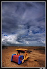 Writing Desk Toy on the Beach (Aitor Escauriaza) Tags: sky storm del toy decay delta ebro writingdesk feber deltadelebro sigma1020 aitorescauriaza