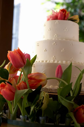 Vivid flower colors in both wedding color and flowers will continue to grow