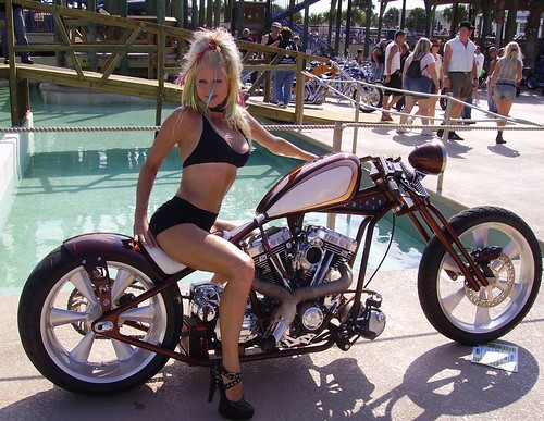 bikes and hot girls