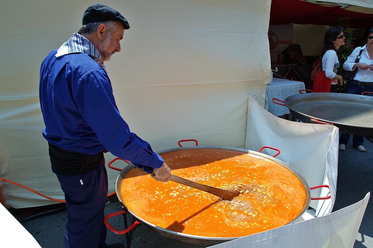 Barcelona Photoblog: Fideua: Paella Made with Pasta