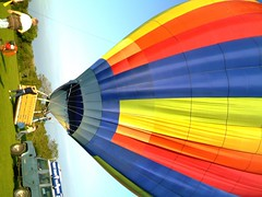 IMAG0213 (yxxxx2003) Tags: new blue red hot green air baloon ballon balloon milton keynes mk yello 2007 balon olney hotairballon yxxxx