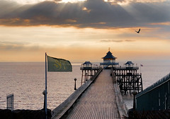 """closed : clevedon pier • <a style=""""font-size:0.8em;"""" href=""""http://www.flickr.com/photos/75475694@N00/513882978/"""" target=""""_blank"""">View on Flickr</a>"""