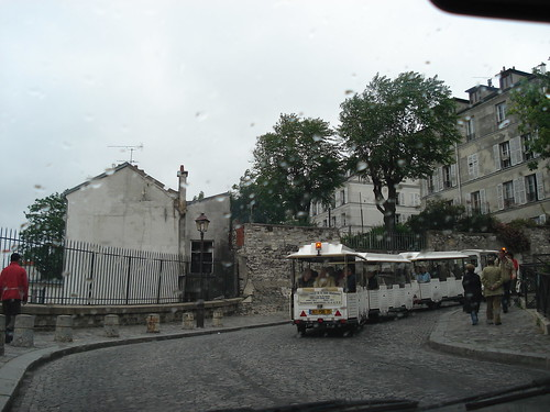 Raining at Butte Montmartre-05