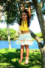 Brbara (Cristianne Rodriguez) Tags: girl child bosque criana menina brincando brbara nin