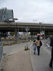 Am Hauptbahnhof (Kate NightSky) Tags: people berlin station child main mother hauptbahnhof