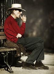 Matando el tiempo (WakamouL) Tags: man hat wow bench mexico waiting smoking explore stolen sombrero esperando hombre gp banca realdecatorce fumando sanluispotosi robado dflickr ltytrx5 ltytr1 dflickr180307 gpcomretratos