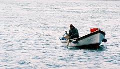kirmizi (nilgun erzik) Tags: turkey boat fisherman türkiye turkiye istanbul turquie İstanbul deniz sandal estambul turkei dalga balikci nilgunerzik fotografkiraathanesi nilgünerzik nisan2007 kayikci