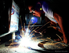 weld (jobarracuda) Tags: lumix welding philippines worker laborer trabajador fz50 welder panasoniclumix dmcfz50 jobarracuda trabahador tribehorizon jobar jojopensica pensica earthasia eartasia lhs4a filipinoworker filipinolaborer