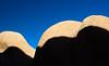 nm (olvwu | 莫方) Tags: california ca blue shadow sky usa rock desert joshuatree joshuatreenationalpark jungpangwu oliverwu oliverjpwu mojaveandcoloradodesertbiospherereserve olvwu jungpang 莫方 吳榮邦