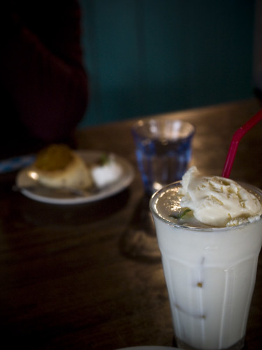 peach milk shake :)