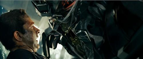 Transformers pelicula Optimus acercamiento