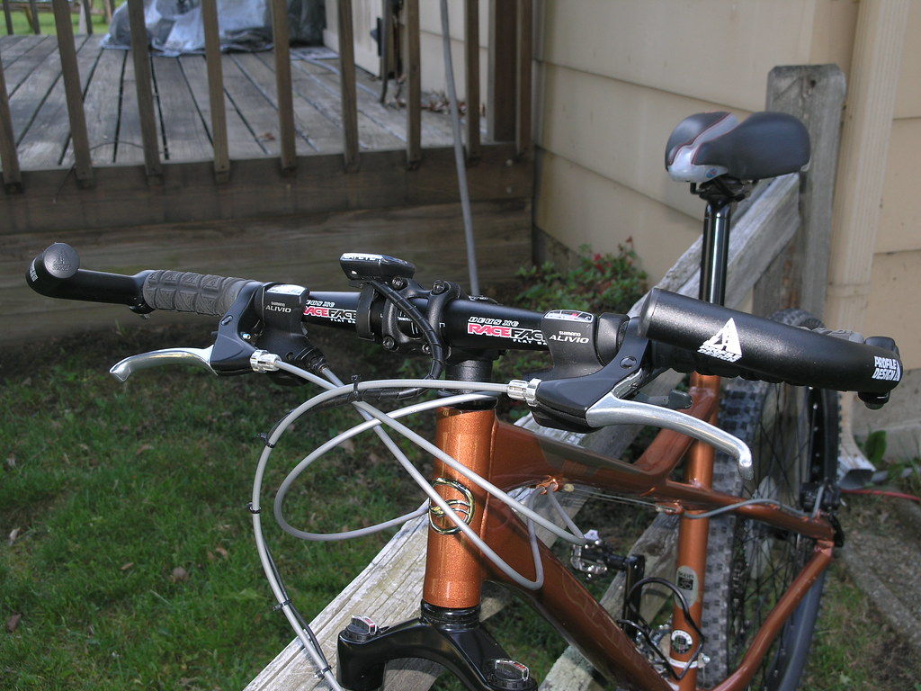 2006 Giant Yukon Mountain Bike 02