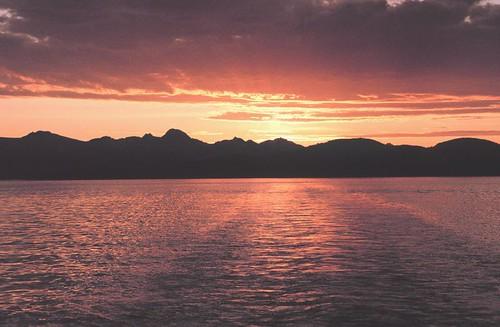 800px-An_Alaskan_sunset_-_NOAA
