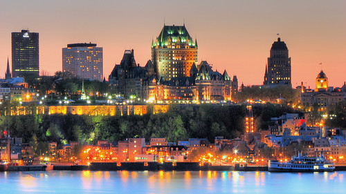 Québec city at night !