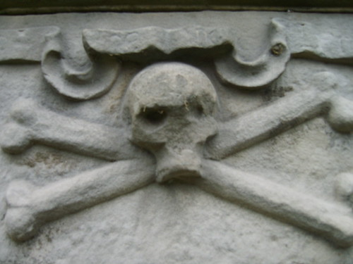 Skull and cross bones from Flickr