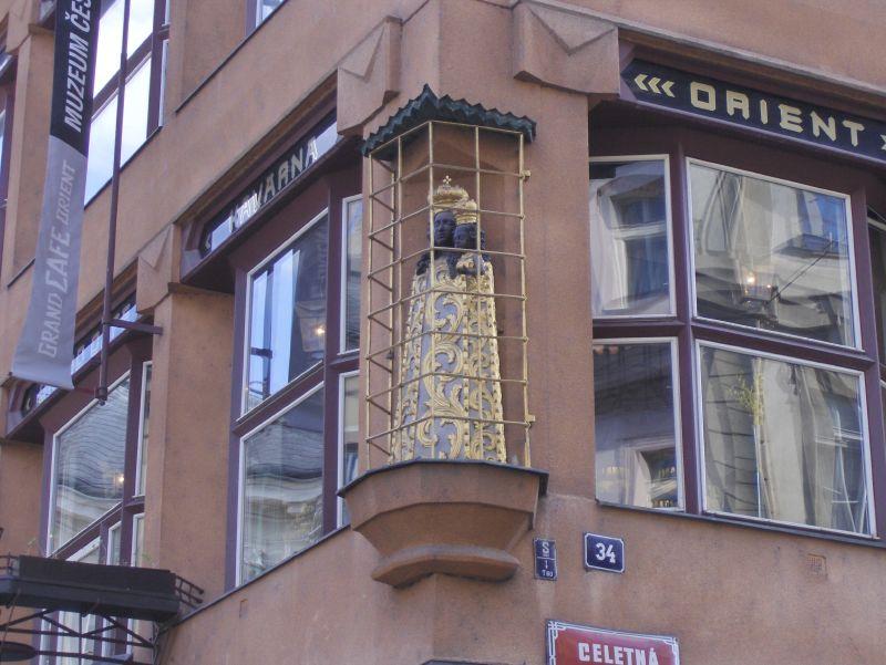 Praha 674