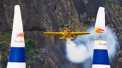 OOOhhhh F#$% ! (fabiogiolito) Tags: riodejaneiro plane smoke pãodeaçúcar botafogo avião corrida redbull fumaça airrace