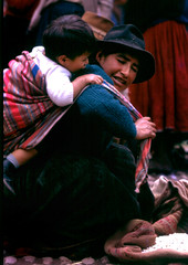 Mother and son at Pisac marketplace (Carlos Ebert) Tags: peru mother son andes pisac natives