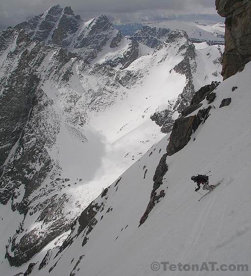 Skiing the edge of Amora Vida on the South Teton