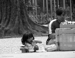 street lunch (jobarracuda) Tags: bw lunch lumix eating cigarette philippines baguio pinoy streetvendor fz50 burnhampark panasoniclumix dmcfz50 jobarracuda streetlunch