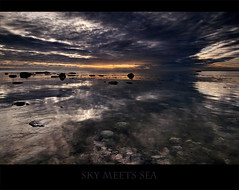 sky meets sea (lichtmaedel) Tags: morning bravo balticsea rgen ostsee nocensorship 6am jasmund chalkcoast colorphotoaward superaplus aplusphoto lichtmaedel lichtmaedelallrightsreserved lovethestonesbeneaththewater preferthatversiontothepreviousone keinezensur kerstinenderlein copyrightkerstinenderlein
