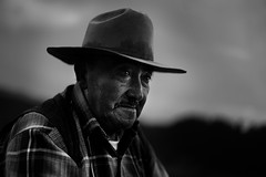 Concern about the Land (Luis Montemayor) Tags: portrait blackandwhite man blancoynegro hat retrato oldman explore stare sombrero anciano mirada hombre myfavs lamarquesa