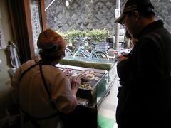平澤かまぼこ店は朝の匂い-02