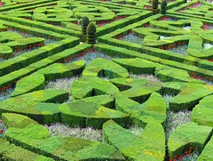 Villandry (Joe Shlabotnik) Tags: france gardens jardin villandry myfave 2007 faved april2007 heylookatthis