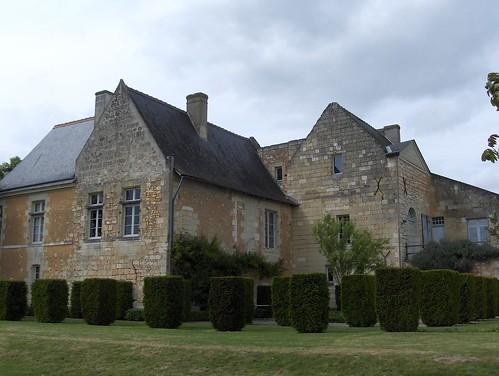 Abbaye de Seuilly, les communs