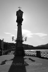 #bahíadelaconcha #golfodevizcaya #playadelaconcha #shellbeach #2015 #sansebastián #donostia #guipúzcoa #paísvasco #españa #spain #mar #sea #cantábrico #farolas #streetlights #reloj #clock #veleta #vane #ciudad #city #viajar #travel #viaje #trip #turismo # (Manuela Aguadero) Tags: vane españa reloj paisaje sansebastián turismo travel landscape viaje photography spain city paísvasco blackandwhite sonya350 sonyalpha photographer mar trip veleta bahíadelaconcha sonyalpha350 ciudad golfodevizcaya cantábrico blancoynegro clock 2015 farolas playadelaconcha sea tourism guipúzcoa shellbeach viajar donostia streetlights alpha350