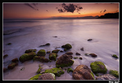 Cap Salou (Aitor Escauriaza) Tags: longexposure sunset green water d50 nikon reus salou costadorada sigma1020 seasun aitorescauriaza superaplus aplusphoto sunsetrotianet