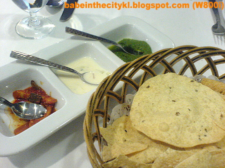 Aryan - Papadoms with 3 chutneys