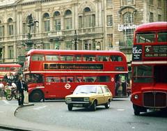 GB London 1984 (orangevolvobusdriver4u) Tags: grossbritannien greatbritain london england traffic london1984 fiat131 bus doppeldeckerbus 1984 archiv1984 oldlondon doubledecker doubledeckerbus