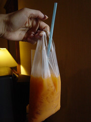 Drink in a bag (Shanti, shanti) Tags: thaiicedtea drinkinabag
